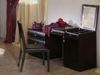 Комоды в гостиную (69 фото): большой угловой вариант в интерьере, современные тумбы со стеклом, классика - и - современность, витрина для посуды и разновидности под ТВ