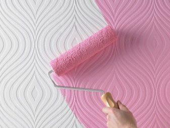 окраска стены латексной водоэмульсионной краской