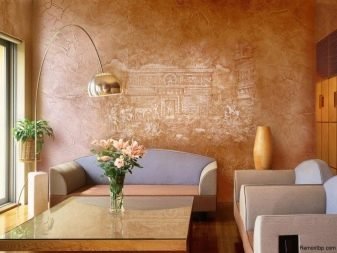 Венецианская штукатурка в интерьере (38 фото): перламутр в дизайне квартиры и дома, варианты под мрамор в современном оформлении зала и кухни