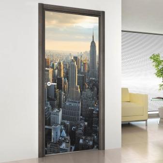 Фотообои на дверь (45 фото): узкие вертикальные самоклеящиеся варианты на межкомнатные двери, фрески на стену, идеи для интерьере