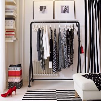 Напольные вешалки в прихожую (40 фото): оригинальные дизайнерские вешалки для верхней одежды в коридор, кованые и деревянные изделия