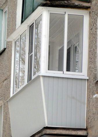 Застеклить балкон стеклом фото внутренняя отделка балкона пластиковыми панелями своими руками