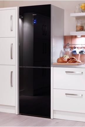 Холодильники из черного стекла