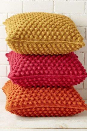 Как выбрать вязаные подушки?