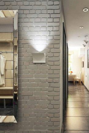 Оформление стены в коридоре декоративным кирпичом