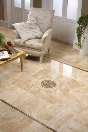 Плитка на полу в гостиной: красивые примеры в интерьере