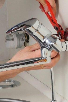 Тонкости монтажа смесителя в ванной