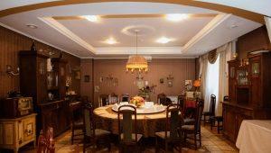 Двухуровневые потолки из гипсокартона для кухни