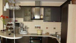 Маленькая кухня с барной стойкой