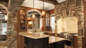 Отделка кухонь обоями и декоративным камнем