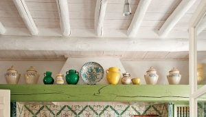 Панели на потолок в кухню