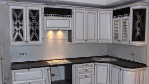 Угловой навесной шкаф для кухни