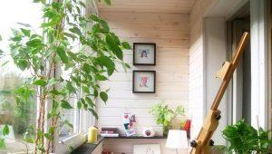 Дизайн с цветами на балконе