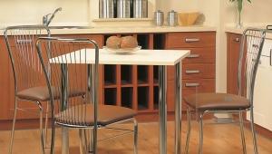 Стулья на металлокаркасе для кухни