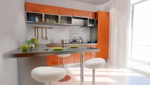 Угловой кухонный стол