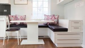 Уголок на кухню с ящиками для хранения