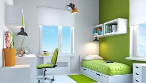 Стол у окна в детской комнате