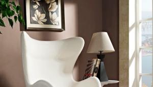 Белые кресла