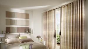 Красивые шторы на люверсах в спальне