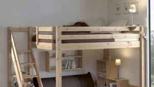 Кровать-чердак из массива дерева