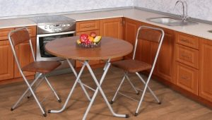 Как правильно выбрать деревянный складной стол?