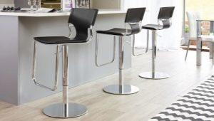 Выбираем барные стулья с регулируемой высотой