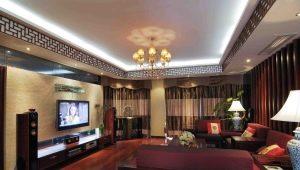 Двухуровневые натяжные потолки в интерьере гостиной