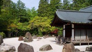 Важные детали ландшафтного дизайна: декоративные камни в вашем саду