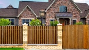 Деревянные заборы: эффектная защита участка