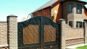 Кованые ворота: все тонкости выбора материала и этапы монтажа