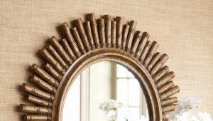 Зеркала в деревянных рамах: особенности выбора