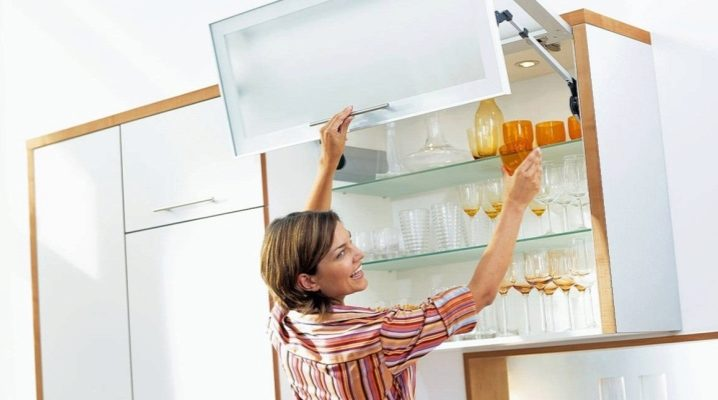 Петли для кухонных шкафов