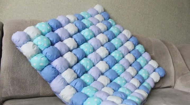 Одеяло в технике «бонбон»