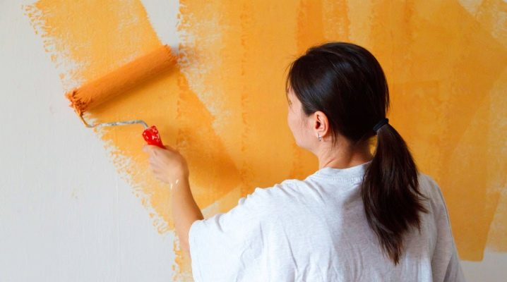 Обои или покраска стен: что лучше выбрать?