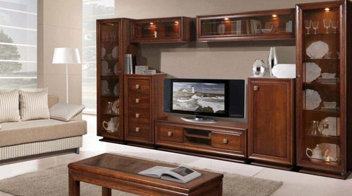 Выбираем мебель из массива для гостиной