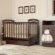 Кроватка с маятниковым механизмом для новорожденного