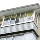 Остекление балконов с крышей