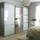 Шкаф-купе с зеркалом в спальню