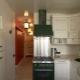 Дизайн маленькой кухни площадью 6 кв. м с холодильником