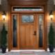 Особенности входных дверей со стеклом