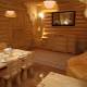 Столы из дерева для бани: особенности