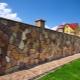 Декоративный бетонный забор: красивые примеры в ландшафтном дизайне