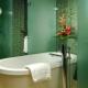Зеленая плитка в дизайне квартиры и частного дома