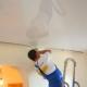 Как отремонтировать натяжной потолок?