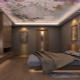 Какие натяжные потолки лучше выбрать: глянцевые, матовые или сатиновые?