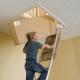 Складные лестницы на чердак: плюсы и минусы