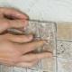 Виды плиточного клея для мозаики: как выбрать?