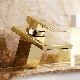 Смесители «под золото»: критерии выбора и правила ухода