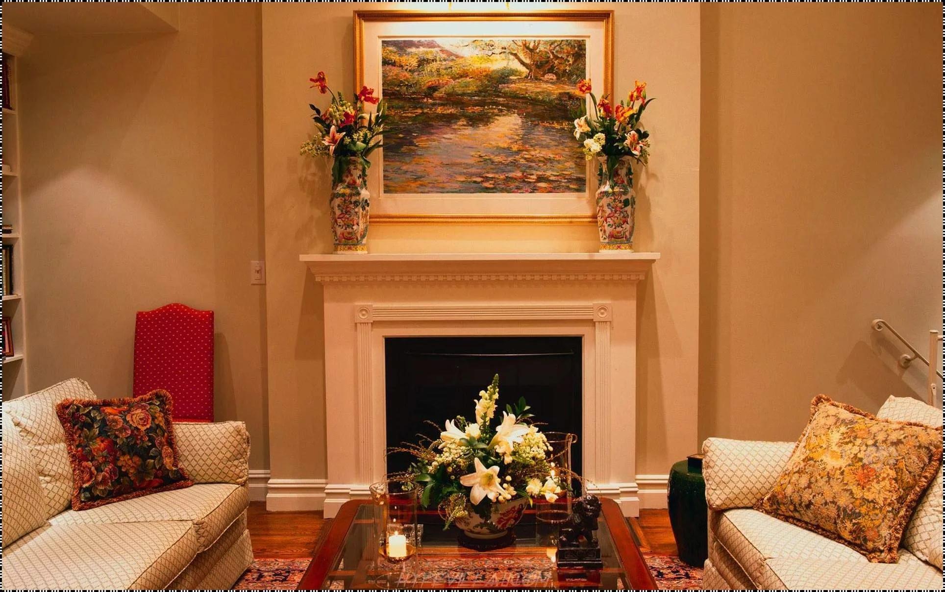 Уютная гостинная с камином без смс