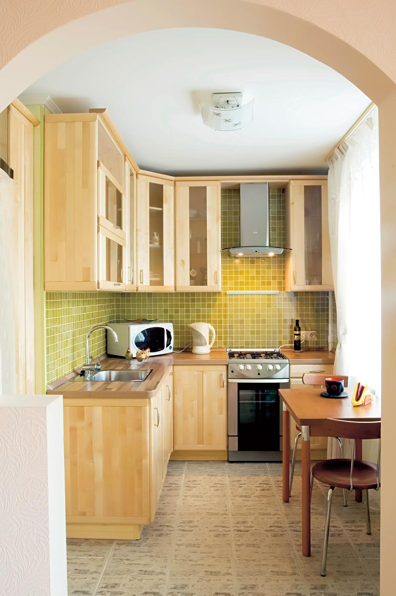 Фото дизайна кухни для маленькой квартиры
